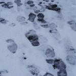 【雪道は危険】靴の滑り止めグッズと正しい歩き方