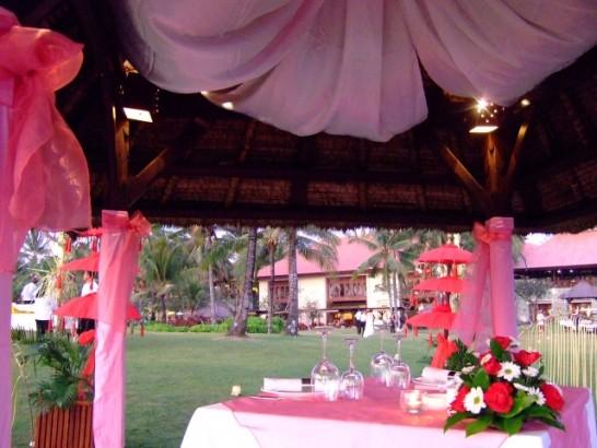 海外家族だけ結婚式費用ウエディング挙式03